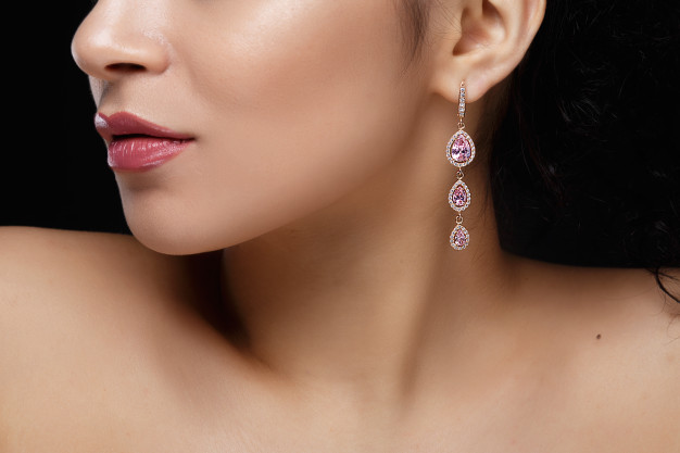 5 Handy Tips to Maintain Diamond Solitaire Earrings